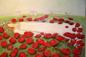 On a bed of Roses heter denna vackra tavla av Sundsvallskonstnären Karin Rolén Nordstrand.