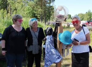 Kerstin Forselius, Lilian Lindholm och Elvy Hedlund, en glad trio med anknytning till Hamra.