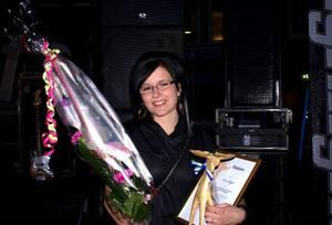 Marika Johansson, dotter till Tommy och Monica Johansson på Raukasjö Fjällgård, tog emot föräldrarnas pris– årets eldsjäl.