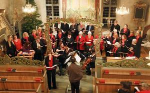 Tillsammans med sångkörerna, Archi Jamt, Eva Regnander och Ragnwei Axellie bjöd dirigenten Bengt Isaksson på fin musikunderhållning i de välbesökta kyrkorna.