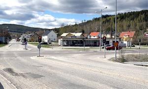 Det är här den planerade rondellen ska ligga. Kommunens detaljplan har dock överklagats.