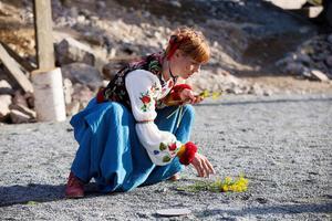 Anna Granquist spelar Leva.