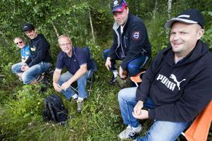 Gänget från Hällefors var glada och peppade under Midnattssolsrallyt.