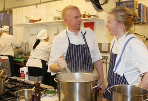 Anders Johnsson och Emil Bertilsson hade full koll i köket.