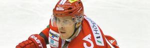 Anssi Salmela har tre matcher kvar i Modotröjan. Markus Näslund jobbar nu för att det ska bli fler än så.