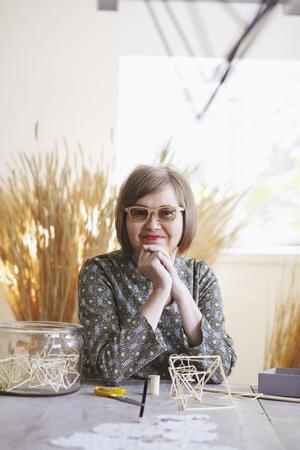 Eija Koski, konstnär och världens enda himmelist på heltid.
