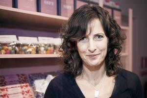 Journalisten Ann Fernholm får ett av Natur & Kulturs arbetsstipendier.