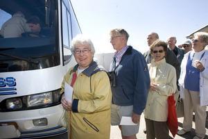 Morag Beier har klivit i land från Saga Ruby och är ivrig att åka med turbussen.