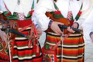Fiolen är det mest populär instrumentet på musikskolan i Rättvik. På jubileumskonserten framförs självklart Hjort Anders Gärdeby gånglåt.
