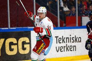 Modos Simon Önerud jublar försiktigt efter att ha reducerat till 2-1.