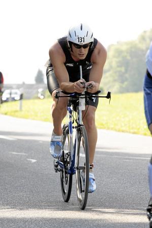 Järnman. Johan Nykvist lyckades genomföra världens hårdaste triathlontävling, Iron Man på Hawaii, på 10 timmar och 21 minuter i 40 graders värme.