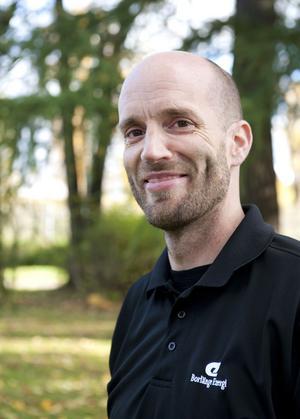 Arboristen Tobias Fischer är glad att lärken får leva vidare.