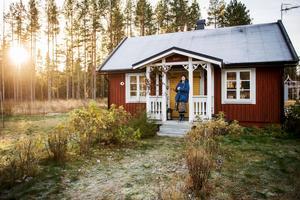 I våras köpte familjen Lindström/Berglund ett torp på Hemsön, norr om Härnösand.