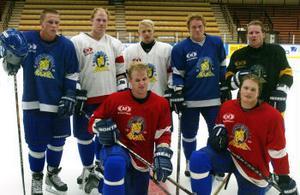 Alla är vi nya. Bakre raden från vänster: Johannes Westring, Erik Wikström, Jonas Floberg, Tobias Renlund, Robert Vavroch. Främre raden: Johannes Rundgren, Alexander Larsson.