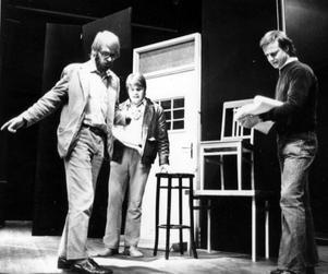 Regionteatern repeterar En folkets fiende. Här syns Riber Björkman, Lars-Gunnar Aronsson och Sten Elfström