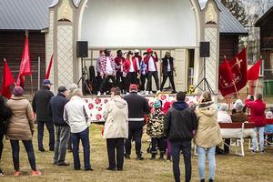 Flera uppträdde på scenen i Folkparken.