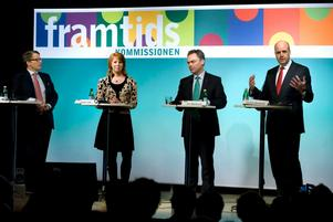 Regeringens fyra partiledare presenterade framtidskommissionen på Blackebergs gymnasium i Stockholm.