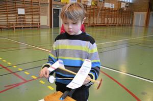 Premiärtur. William Berg förbereder första flygturen med sitt plan.