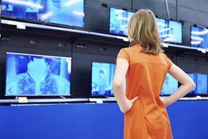 Att köpa ny tv är lite som ett lotteri. Många apparater lider av tekniska problem med bilden. Foto: Shutterstock