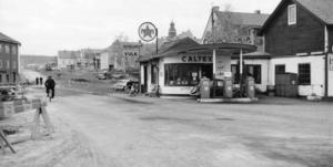 Caltex bensinstation och vulkverkstad i hörnet av Mynt- och Gruvgatan 1959.