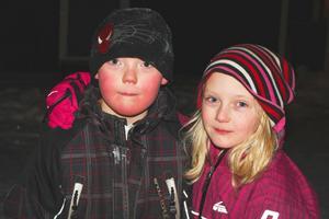 Tvillingarna William och Matilda Bergström, 8 år, från Via tycker att kvällen blev lyckad.