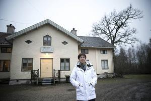 Kajsa Bengtz är trött på att ungdomar förstör, ringer i kyrkklockorna mitt i natten och buskör med EPA-traktorer på gården.