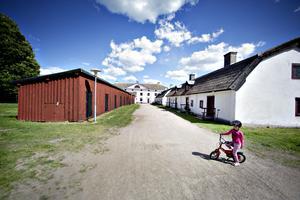 Cykelkurs hos de asylsökande i Gysinge.