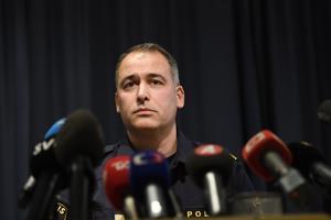 Jonas Hysing, Nationell kommenderingschef. uppmanar svenskarna att leva sina liv som vanligt efter terrordådet.