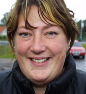 Maria Nordin, 29 år, Juniskär.–Vården och barnomsorgen borde få mer resurser, det är viktigt.