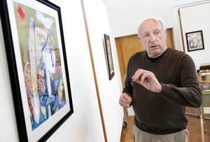 Det är första gången som Lydia Corbetts målningar visas i Sverige. Hennes agent Richard Shepherd berättar inlevelsefullt om Sylvette med ros.