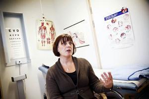 Ängsmoskolans skolsköterska Christina Larsson tycker att elevhälsan har rätt goda förutsättningar för att kunna bedriva sitt arbete i Östersund, men skulle inte tacka nej till en förstärkning av verksamheten.