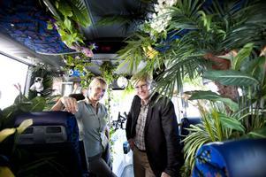 Erika Rydstrand, marknadsansvarig för Furuviksparken och Henrik Nyquist, inofrmationsansvarig på Stadsbussarna vill att upplevelsen ska börja redan på bussen från Gävle.