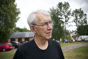 Ingvar Persson, legendarisk manusförfattare och regissör för amatörteatergruppen Tors hammare har hämtat inspiration till