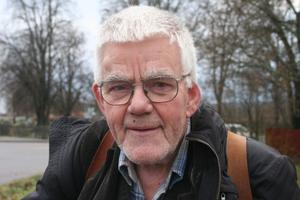 Otaliga är de uppvaktningar, möten, och spontana besök som Karl Åkerblom gjort i kommunhuset i Bergsjö. Han har lobbat för sitt kors och kapell.