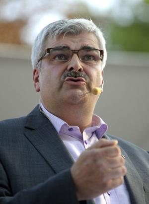 Tycker Håkan Juholt att jobbskatteavdraget är så förskräckligt dåligt att han väljer att förhandla fram en budget med Sverigdemokraterna istället?Foto:scanpix