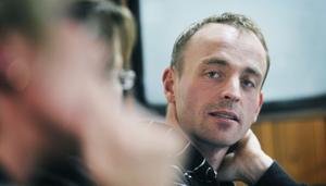 Patrik Halvarsson lovar att göra allt han kan för att låta barnen gå kvar på Kilbergsskolan.