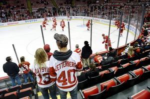 Favorit hos Detroitfansen – och Henrik Zetterberg fanns också med på kanadensiska The Hockey News topplista över de mest omtyckta spelarna i NHL. Zäta rankades då som nummer sju.