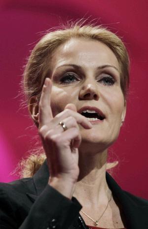 Sötsurt. Helle Thorning Schmidt (S) blir Danmarks första kvinnliga statsminister, men Socialdemokraterna gjorde sitt sämsta val sedan 1903.foto: scanpix