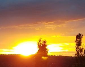 En av bilderna som är inskickad i september. Solnedgång i Julberga.