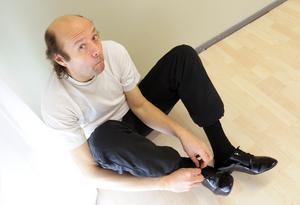 Skådespelaren och programledaren Ulf Larsson är död.