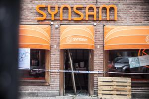 Under tidig torsdagsmorgon utsattes Synsam i Ludvika för en smash and grab-kupp.
