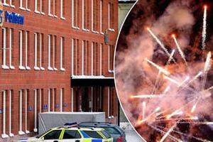 Fyrverkeriattack mot polishuset i Borlänge. OBS: Bilden är ett fotomontage.