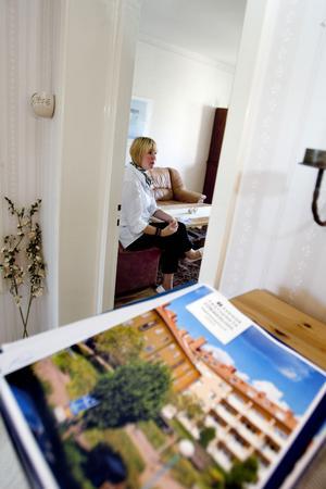 Objektsbeskrivning finns på plats i lägenheten som visas.