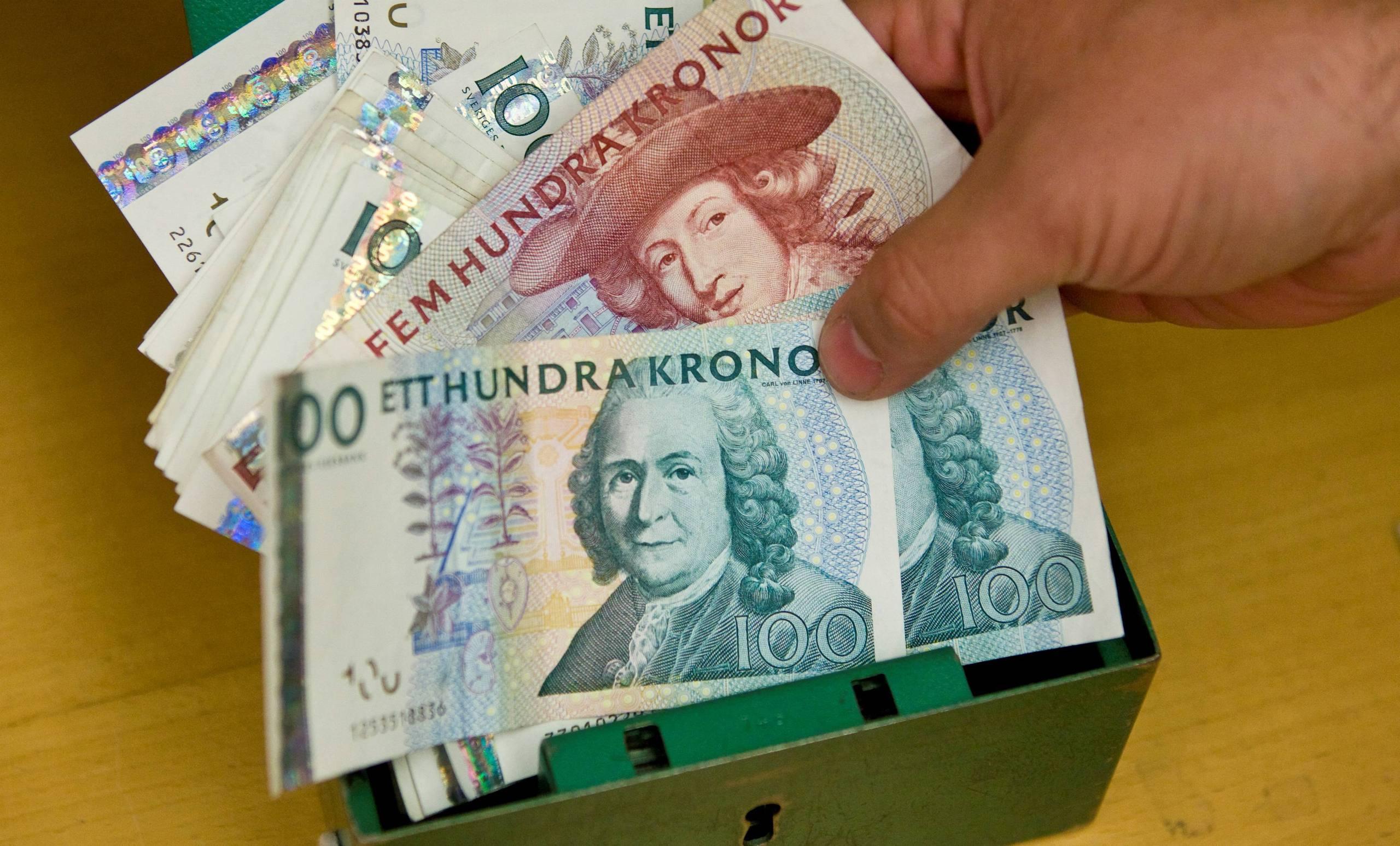 Butiksanstallda far drygt 500 kronor mer