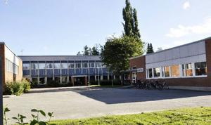 Hjalmar Strömerskolans bibliotek bombhotades om onsdagen. Hotet ska, enligt mailet, verkställas på torsdag.