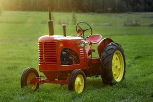 En traktor är en snäll maskin som i princip vem som helst kan provköra utan att det går galet. Som en Massey-Harris 20 från slutet av 40-talet.