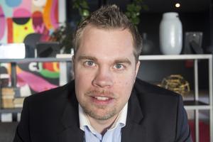 Nicklas Sandström (M), oppositionsråd i Västerbottens läns landsting, välkomnar beskedet att det inte blir någon sammanslagning av länsstyrelser 2018.