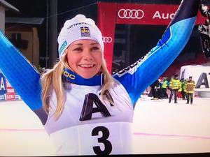 Frida Hansdotter kom tvåa i österrikiska Flachau.