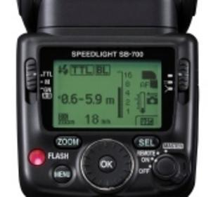 Nikon SB-700 lyser starkt eller jämnt