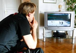 """I går laddade Jerry Ahrlin för söndagens Vasalopp genom att se VM-finalen i teamsprint på tv. """"Det känns ganska bra, stabilt. Från nyår har jag haft en stigande formkurva"""",  säger Jerry inför söndagens utmaning."""